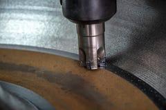 CNC mielenia maszynowy rozcięcie lany żelazo obraz royalty free