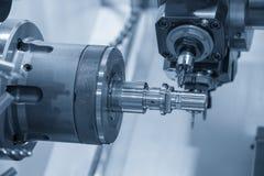 CNC tokarski maszynowy rozcięcie pazy szczelina zdjęcia stock
