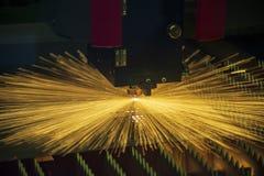 CNC w??kna laserowy tn?cy maszynowy rozci?cie metalu talerz obraz royalty free