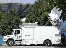 CNN-vrachtwagen in de voorzijde van Nationaal Tenniscentrum Stock Fotografie