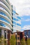 Coëxistentie van moderne en historische architectuur in Washington DC Stock Foto