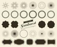 Собрание sunburst нарисованного рукой ретро, разрывая лучи конструирует элементы Рамки, значки бесплатная иллюстрация