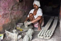 Создатель гончарни глины стоковое изображение