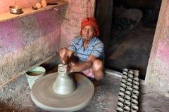 Создатель гончарни глины стоковое фото rf