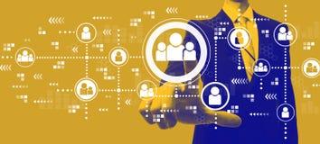 Социальные соединения с бизнесменом в duotone бесплатная иллюстрация