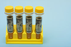 Coûts de recherches médicales Photo stock