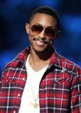 Co-apresentador de Pharrell o SOS que salvar teleton fotos de stock royalty free