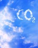 CO2 del símbolo de las nubes Imagenes de archivo