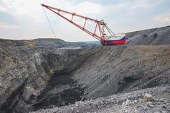 Coalmining i öppen grop Arkivfoto