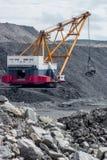 Coalmining i öppen grop Arkivbild