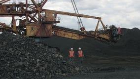 Coalmining otwartej jamy pracownika mężczyzna zdjęcie wideo