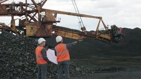 Coalmining otwartej jamy pracownika mężczyzna zbiory