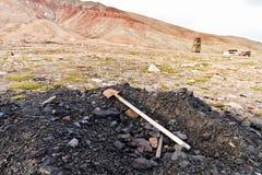 Coalmining på den Pyramiden townen i arktisk region Royaltyfria Foton