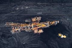 Coalmining på en öppen grop Arkivbilder
