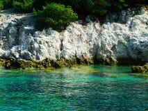 Coasline rocheux de la Grèce, vert, bleu, turquoise, l'eau bleu vert, Photographie stock