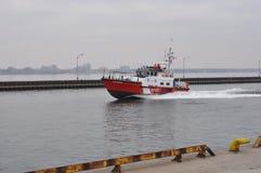 Coast Guard Cutter Cape Hearne Royalty Free Stock Photos