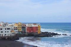 Coast i Puerto de la Cruz, Tenerife, Spanien royaltyfri foto