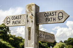 Free Coastal Path Sign Royalty Free Stock Images - 33069749