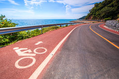 Coastal road and bicycle lane Royalty Free Stock Photography