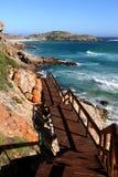 Coastaline hermoso y calzada en Suráfrica Imagenes de archivo