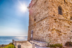 Coasting πύργος σε Salento στην ιόνια θάλασσα στοκ φωτογραφίες