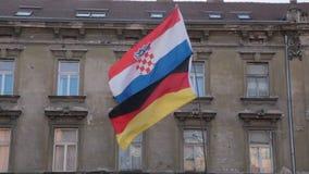 Coatian en Duitse vlag stock video