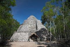 coba墨西哥金字塔xaibe 免版税库存照片