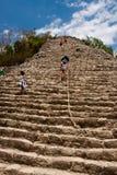 Coba piramids en ruïnes stock afbeelding