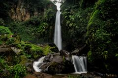 Coban Talun瀑布,玛琅,东爪哇省,印度尼西亚 免版税库存图片