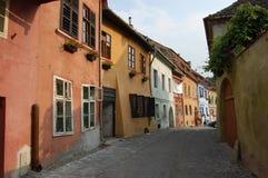 Cobbled straten van Sighisoara, Roemenië Royalty-vrije Stock Afbeeldingen