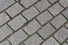 Cobblestoned in una via su Strasburgo Francia fotografie stock libere da diritti