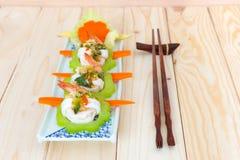 Cobertura fervida do camarão, do calamar e do vegetal com marisco picante sa Imagens de Stock