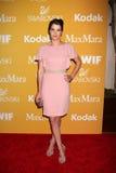Cobie Smulders llega la ciudad del acontecimiento de Bob Pittman de los honores de la música de la esperanza y del grupo de la ind fotos de archivo