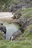 Cobijeru海滩, Austurias 免版税库存照片