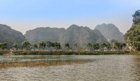 Coc de Tam, baía seca do halong em Vietnam Imagem de Stock