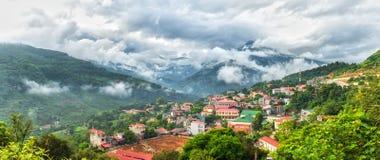 Coc Pai镇,河江市在一个秋天早晨 免版税图库摄影