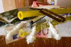 Cocaína: ferramentas para o abuso intravenoso fotografia de stock royalty free