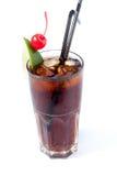 Coca-cola com gelo em um vidro transparente Imagem de Stock