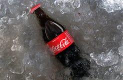 Coca - colaflaska Thailand arkivfoto