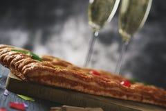 Coca de Sant Joan, gâteau plat doux de Catalogne photographie stock libre de droits