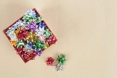 Coccarda di Natale in una scatola Immagine Stock Libera da Diritti