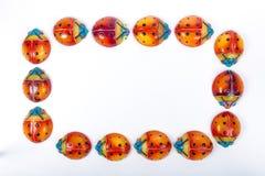 Coccinelles multicolores dans la céramique mexicaine image stock