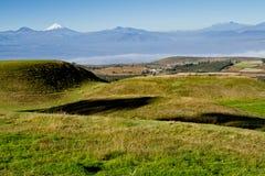 Cochasqui金字塔,考古学站点废墟  库存图片