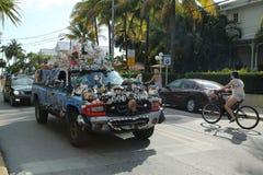 Coche adornado con las cáscaras en Key West, la Florida, los E.E.U.U. Imagenes de archivo