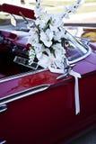 Coche adornado para la boda Fotografía de archivo libre de regalías