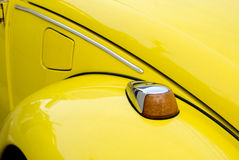 Coche amarillo del alemán de la vendimia Fotografía de archivo