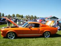 Coche americano anaranjado del músculo Foto de archivo