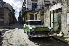 Coche americano del vintage en La Habana, Cuba Foto de archivo libre de regalías