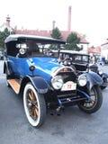 Coche americano muy viejo, Cadillac Imágenes de archivo libres de regalías