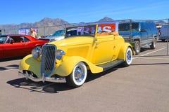 Coche antiguo/aduana: V8 1933 Ford Convertible Imágenes de archivo libres de regalías